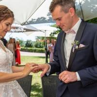 Hochzeitsfotografie Goitzsche in Bitterfeld Villa Bernsteinsee mit freier Trauung _10
